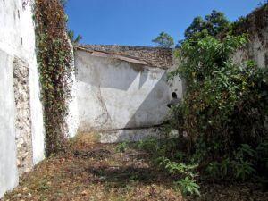 Long room.  Aqueduct forms left wall.